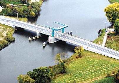 Most na Szkarpawie w Drewnicy