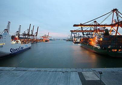 Szanse i zagrożenia dla polskich portów